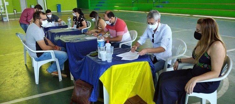 PREFEITURA DE MONTE AZUL DÁ POSSE AOS NOVOS SERVIDORES EFETIVOS APROVADOS NO CONCURSO PÚBLICO.
