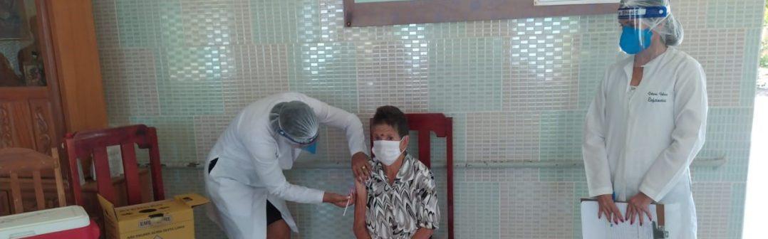 1ª Fase da Vacinação contra a COVID-19 é iniciada em Monte Azul / MG